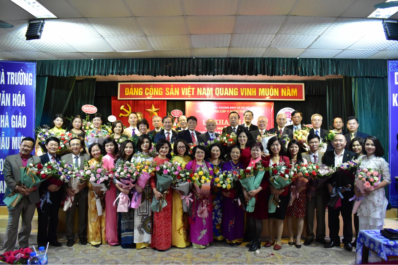 Hình ảnh hoạt động Lễ khai giảng chào mừng năm học mới 2019 - 2020 và Kỷ niệm ngày Nhà giáo Việt Nam