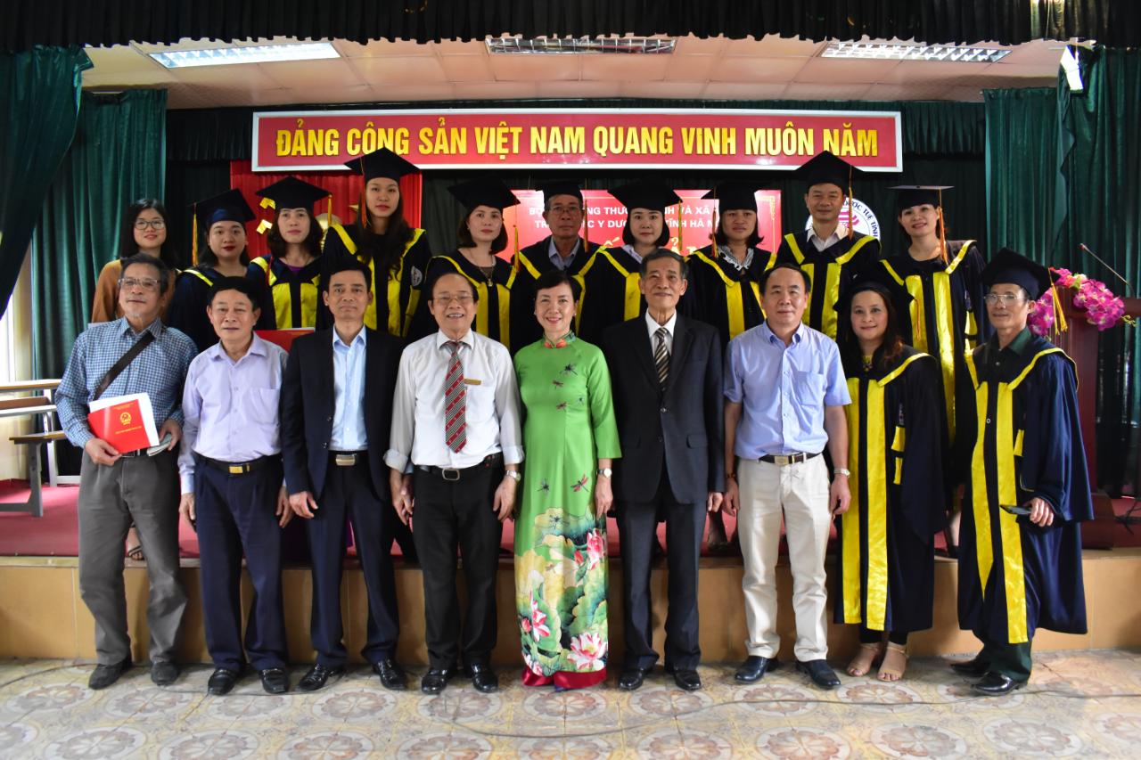 lễ bế giảng và trao bằng tốt nghiệp cho các tân khoa Y sỹ YHCT, Dược sỹ Trung cấp năm 2019