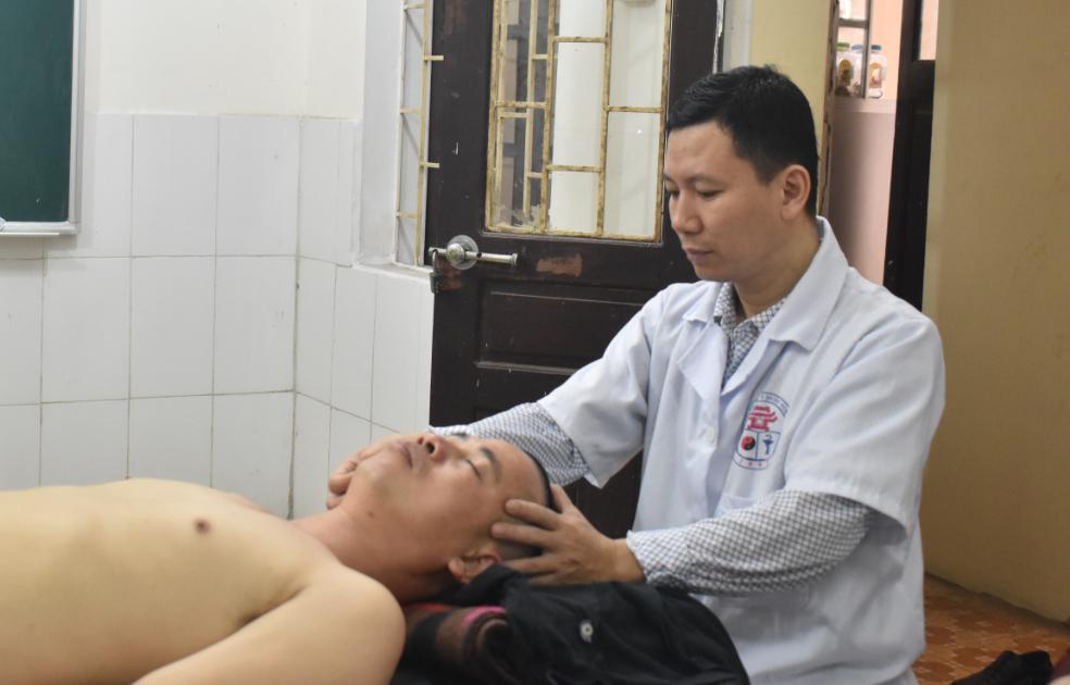 Ứng dụng Xoa bóp - Bấm huyệt trị liệu chứng trúng phong ( đột quỵ, xuất huyết não)