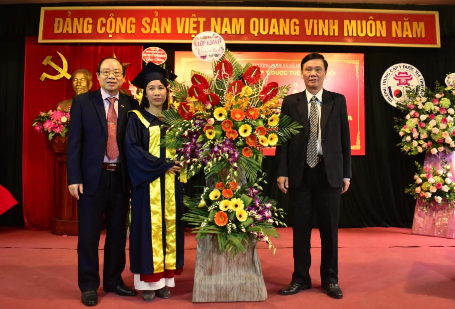 BSCK I, Chủ tịch HĐQT Phạm Văn Minh - Phó hiệu trưởng Trường Trung cấp Y dược Tuệ Tĩnh Hà Nội