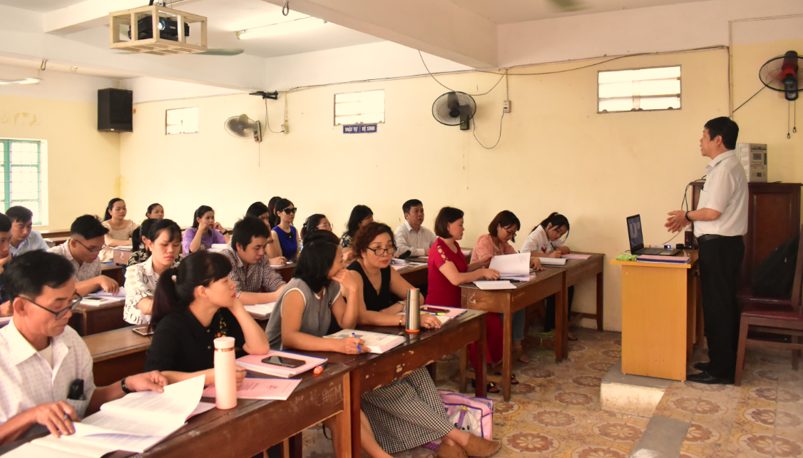 Khai giảng lớp KT Tác động cột sống K07 năm 2020 - lương y Lương Văn Quyết trực tiếp giảng dạy