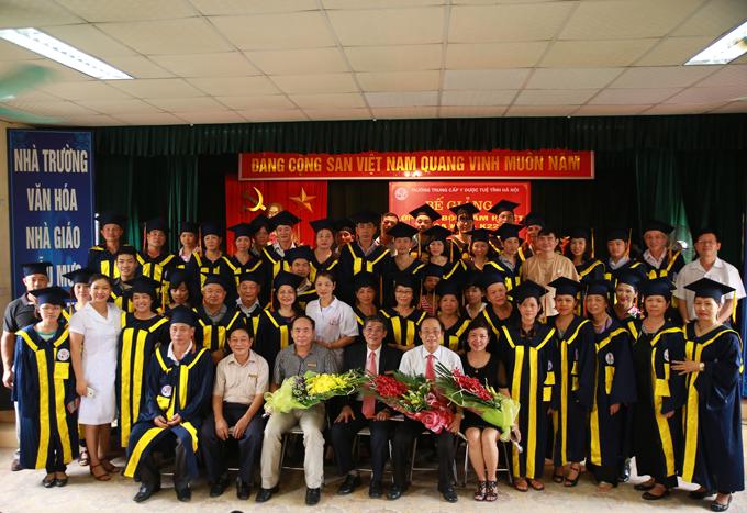 Trường Trung cấp Y dược Tuệ Tĩnh Hà Nội: Học để làm việc và khởi nghiệp