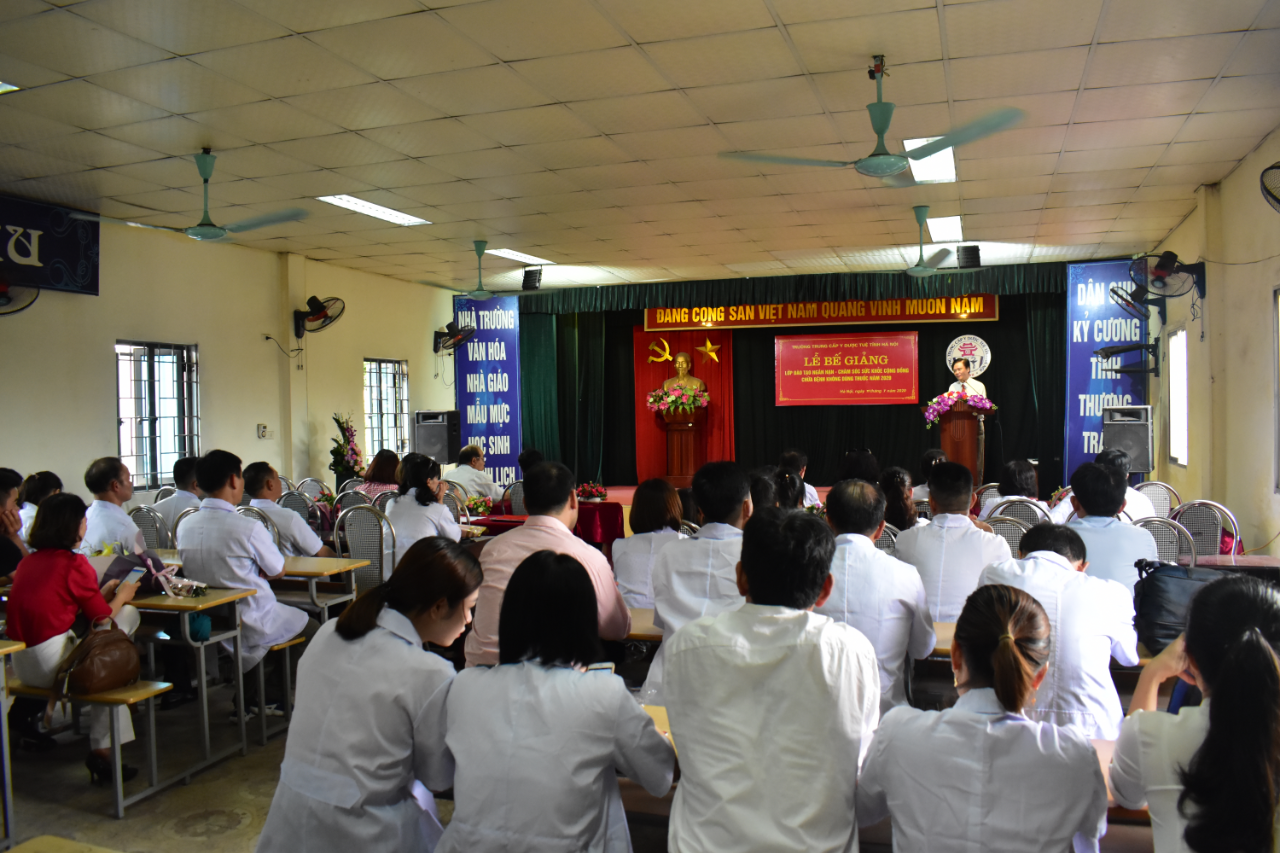 Lễ bế giảng các lớp Chăm sóc sức khỏe cộng đồng bằng KT Xoa bóp – bấm huyệt K03, 05 và 06A năm 2020