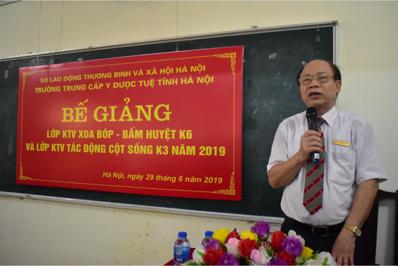 Lễ bế giảng Xoa bóp bấm huyệt K6 và Tác động cột sống K3 năm 2019