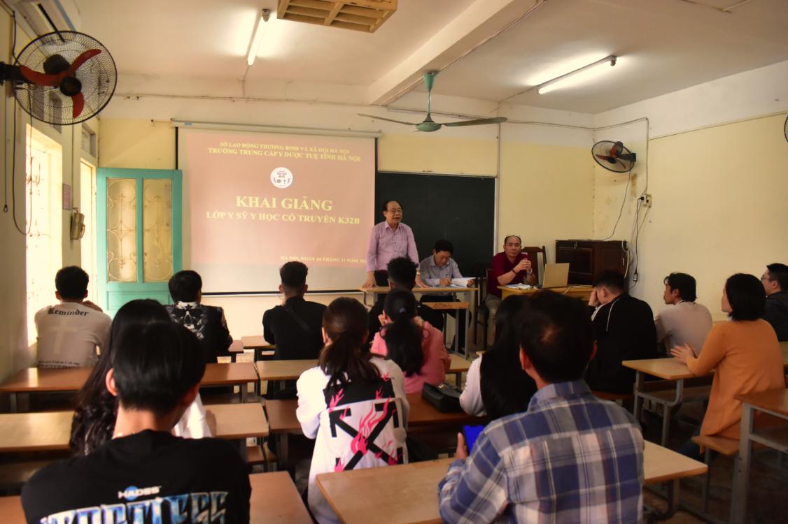 Khai giảng Lớp Y sỹ y học cổ truyền K32B (khóa học 2020 - 2022)