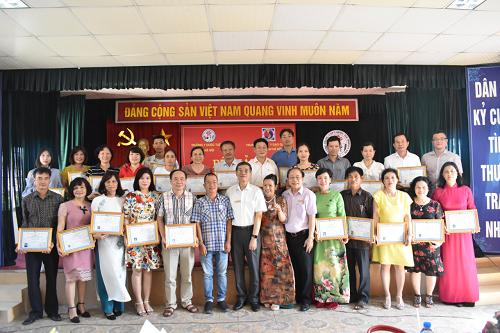 Bế giảng lớp  Diện chẩn – Điều khiển liệu pháp Bùi Quốc Châu khóa I năm 2018