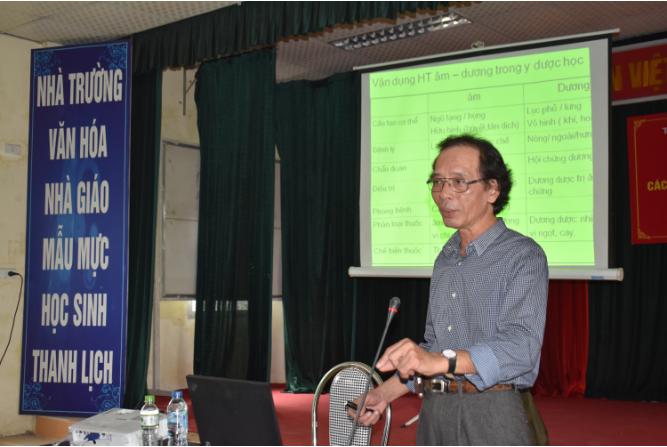 PGS.TS. Phùng Hòa Bình giảng dạy tại Trường TCYD Tuệ Tĩnh Hà Nội