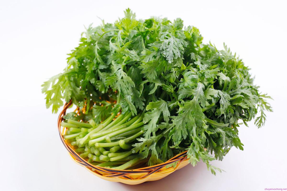 Rau cải cúc chữa bệnh vào mùa Đông
