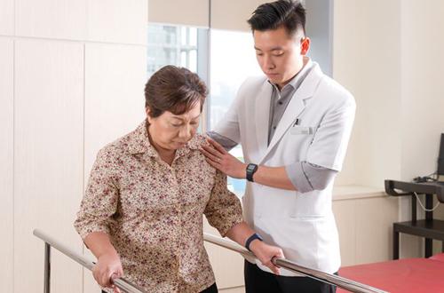 Vật lý trị liệu - phục hồi chức năng